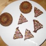 Lebkuchengugls und Schoko-Tannenbäumchen