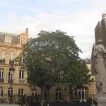 Das Bild zeigt die Place Saint Georges in Paris.