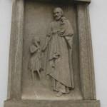Wandrelief eines Heiligen in Bamberg