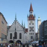 Blick auf den Alten Peter in München