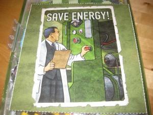 """Schild """"Save energy"""" im Spiel Funkenschlag"""