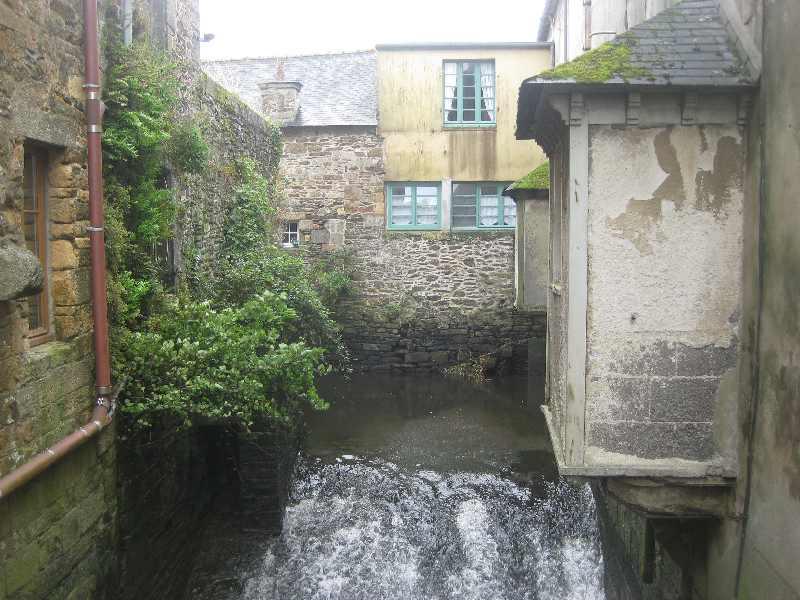 Einige Häuser auf der bebauten und bewohnten Brücke