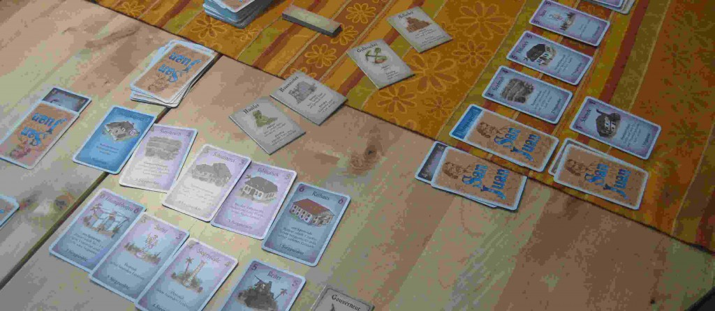 Ausgelegte Karten im 2-Personen-Spiel von San Juan