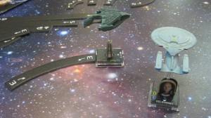 Ein Raumschiff mit einem Bewegungsplättchen