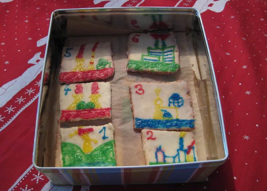 Die Kekse in der Dose.