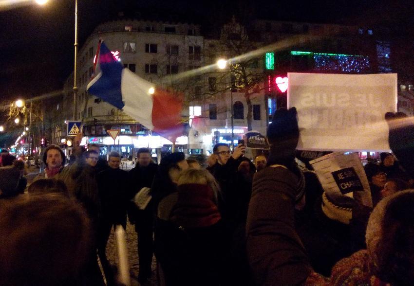 Demonstranten am Rudolphplatz in Köln