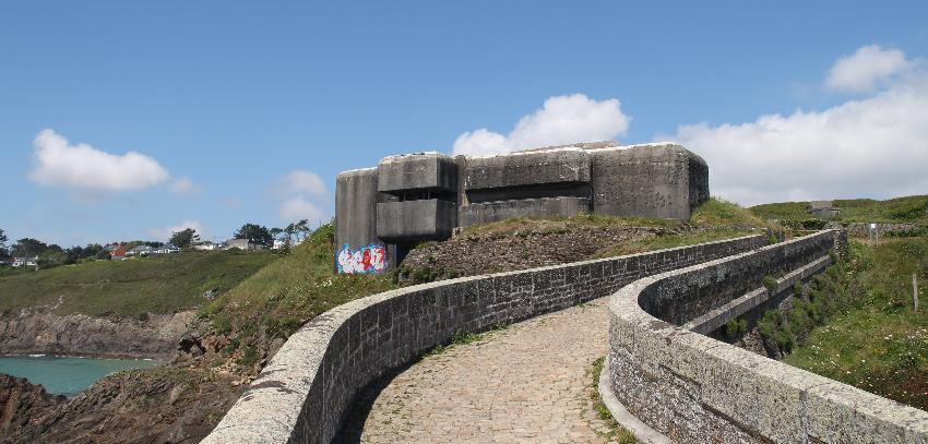 Bunker aus der Zeit der Besatzung der Bretagne durch die Nazis