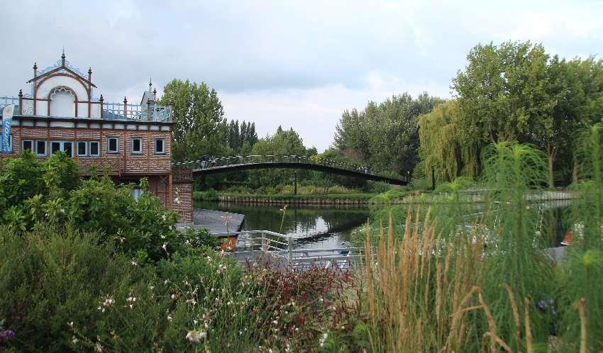 Hortillonages in Amiens - eine Landschaft aus kleinen Kanälen, Flussarmen der Somme, Sumpflandschaften, Inseln und Brücken