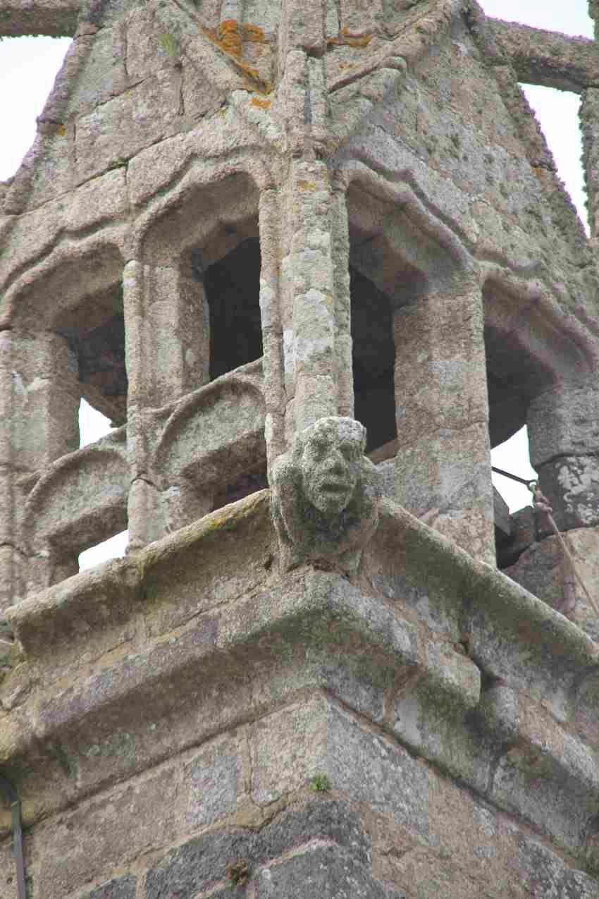 Kirchturm aus Granit von Saint Jean Balanant in Plouvien