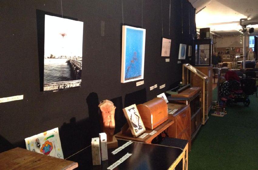 Blick in den Ausstellungsraum von Art in the box