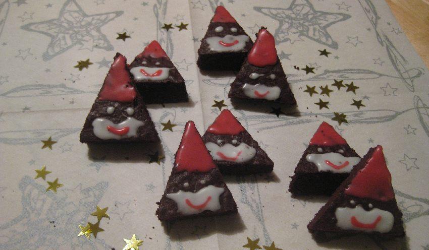 Noch mehr Weihnachtsmann-Brownie-Plätzchen