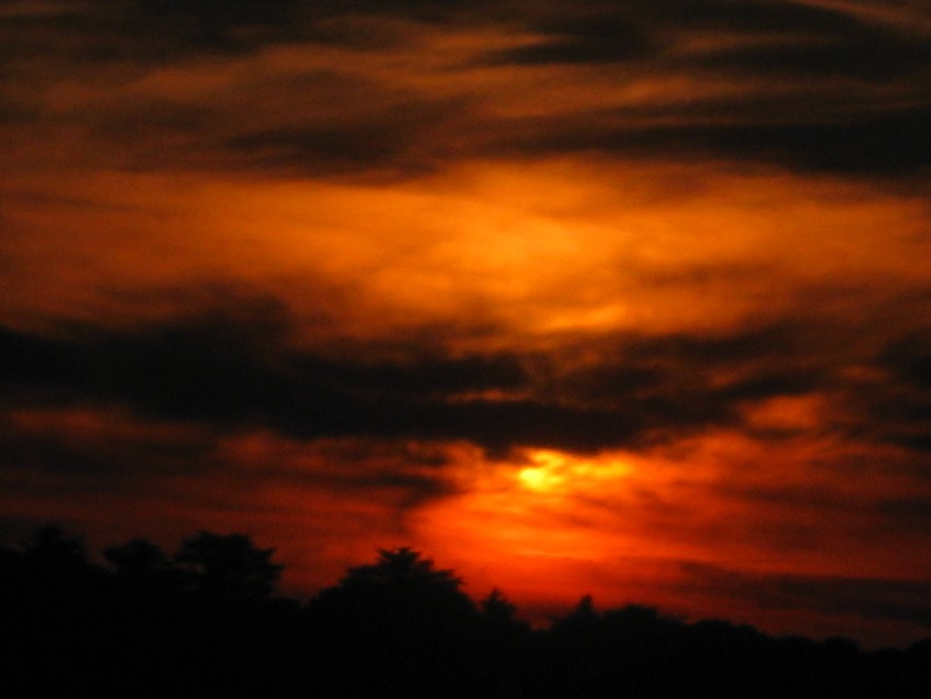 Sonnenuntergang in Saint-Philibert im Morbihan in der Bretagne