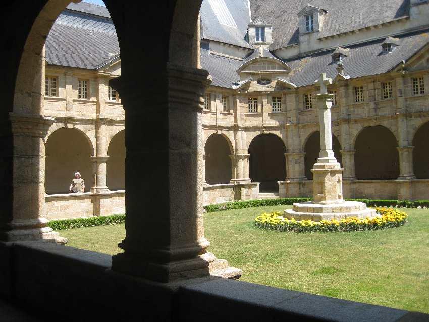 Kreuzgang des Karmeliterklosters in Sainte-Anne-d'Auray