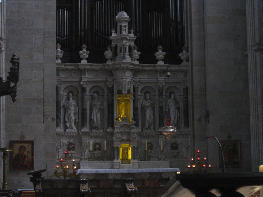Annenaltar in der Basilika in Sainte-Anne-d'Auray
