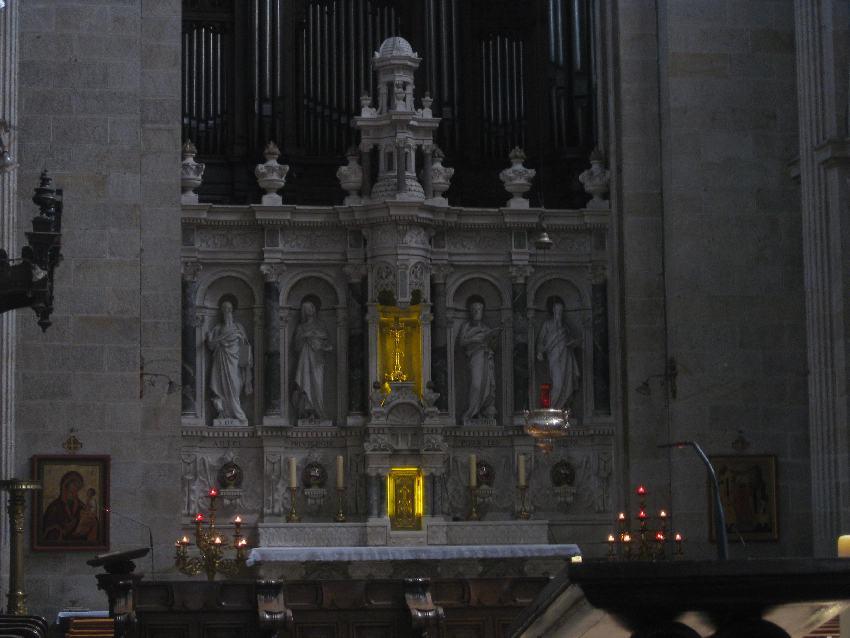 Annenaltar in der Basilika in Sainte-Anne-d'Auray