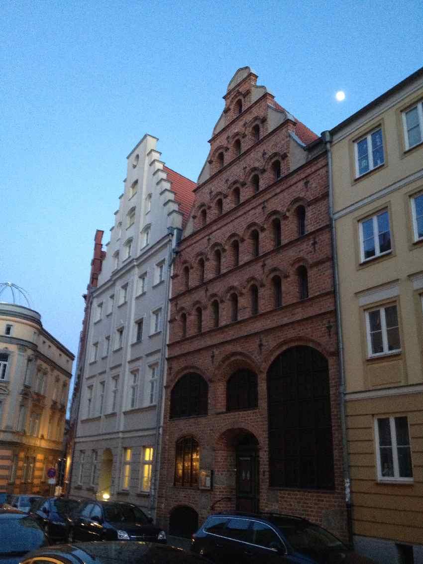 Zwei Hanse-Kaufmannshäuser in Backsteingotik-Optik in Stralsund