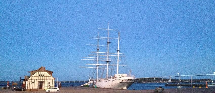 Das Segelboot Gorch Fock I im Hafen von Stralsund