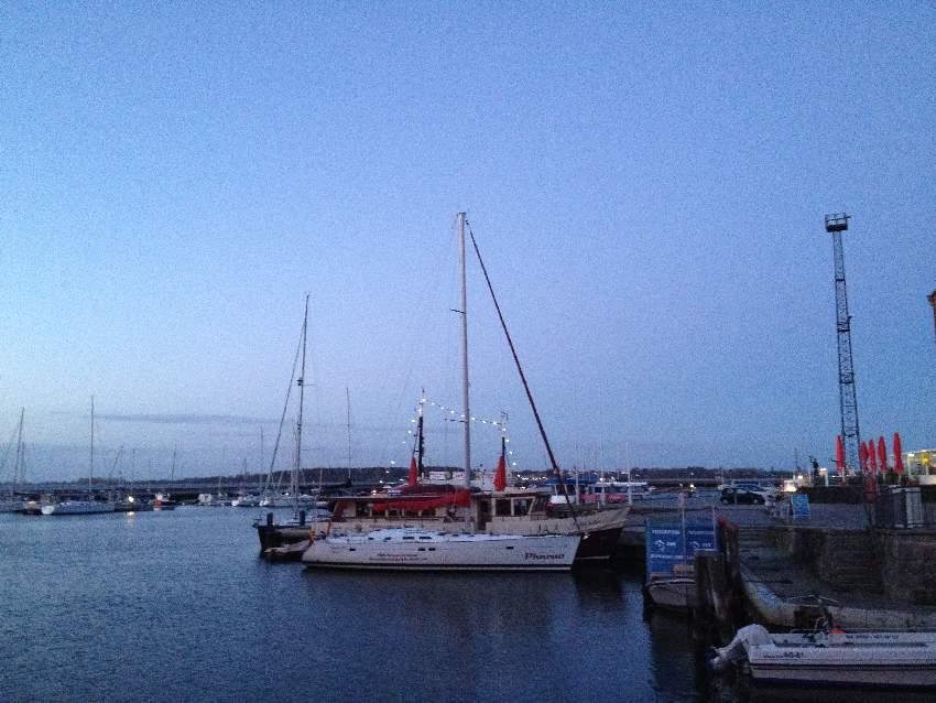 Segelyacht im Yachthafen von Stralsund