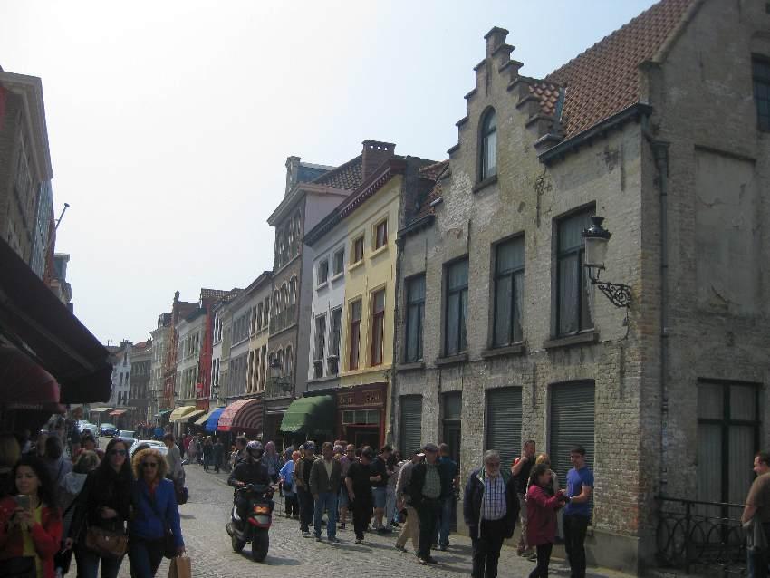 Straßenzug in der Altstadt von Brügge