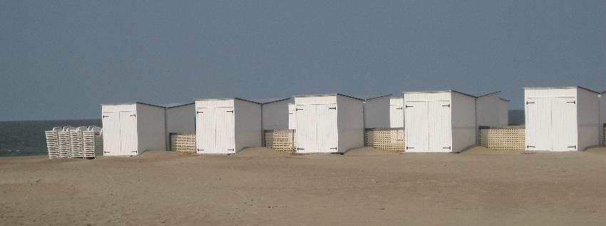 Strandhäuschen am Strand von Knokke-Heist in Belgien