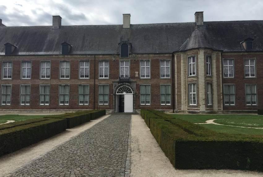 Teil der Fassage der Abtei im belgischen Tongerlo