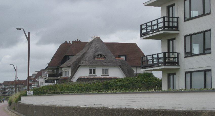 Haus mit Reetdach in Knokke-Heist