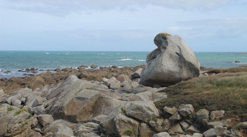 Felsformation an der Küste von Plouescat im Nordfinistère
