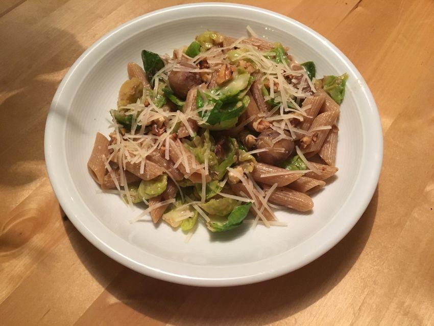 Pasta mit Rosenkohl und Maronen