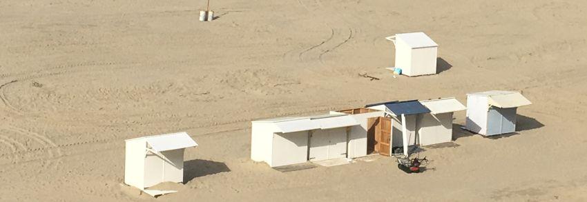 Abbau einer Strandhütte