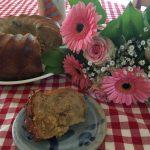 aufgeschnittener Feigen-Walnuss-Buttermilch-Kuchen