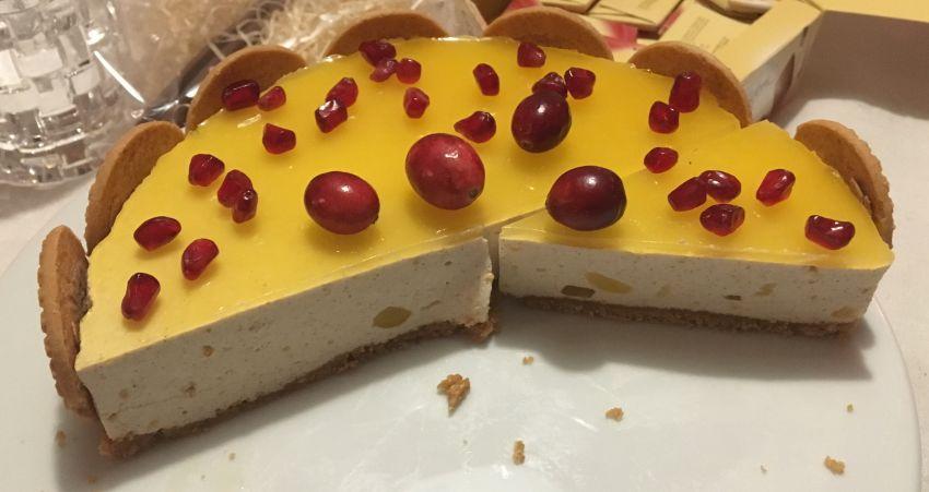 Anschnitt der Zimt-Quark-Orangen-Torte